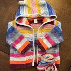 Baby gap bear sweater and booties